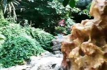 吉林圣鑫酒庄,我们在那泡了温泉,晚上还玩的篝火,很开心的,景色美人更美,没玩够就回来了,下次去多住些