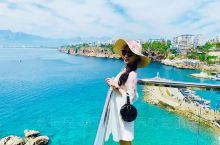 伊兹密尔的切什梅是土耳其的最后一站,坐落在爱情海的海岸,对面就是希腊的圣托里尼,小镇的一天是从上午十