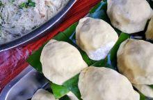 去罗源县可以尝一尝当地小吃。萝卜丝馅蒸丸子,油炸芋头糕,油饼,锅边,大的肉包子。
