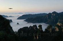 """黄石寨,是我国第一个国家级别的森林公园——张家界国家森林公园里面非常著名的一处景区,素有""""不到黄"""
