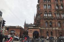 伦敦大街,好怀念行人满满,热闹气氛的街道。希望疫情快结束,全球都能恢复正常的生活!全球加油,中国加油