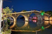 六一儿童节,带着小神兽一起去上海朱家角,古镇看夜景灯火。