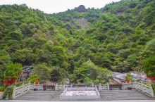 """因""""山上岩石怪异,可见千尊佛像""""得名,被誉为""""江南小九寨""""的千佛山景区也是名不虚传,在这里游客可以见"""