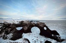阿尔纳斯塔比的海风夹杂着冰雪,让人站立几近困难。