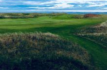 艾莱岛—-苏格兰平原—海边的高尔夫俱乐部