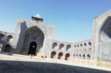 门口被震惊,进去更震惊!壮观!气派!伊朗人的绘画设计细密大气!就像一个巨大的陶瓷艺术品。 伊玛目清真