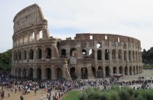 走进古罗马斗兽场。