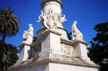 来到意大利热那亚市,看见了哥伦布的雕像!大多数强盛国家都经历过海洋时代。中国正是因为错过了海洋时代,