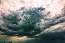 水墨画般的天空