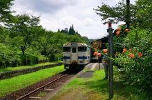 """列车,缓々进入日本,最早百年木製""""嘉例川站""""!这列车下一站,就是鹿儿岛有名""""霧岛站""""!想去霧岛的游客"""
