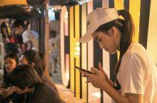 Chillva Market -青蛙夜市 普吉岛࿐小马哥 这不是泰国最火的夜市,但是是当地人最多的夜