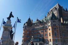 魁北克古城,虽然听说半年会下雪,体感温度最低可以达到零下45度。但今天看这个古城格外漂亮,是一个可以