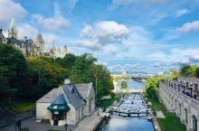Rideau Canal | 丽都运河,是一条连接加拿大渥太华和京斯顿的运河,全长202公里。丽都一