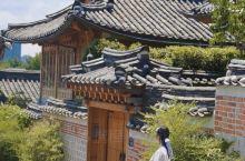 穿越百年汉城 首尔韩服体验  在来韩国之前看了很多小姐姐穿韩服的照片,心里就痒痒的! 看了网上总多韩