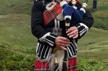 在威廉堡.苏格兰高地倾听悠扬顿挫的风笛。