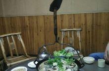 罗田胜利城吊锅,在罗田吃吊锅,千万不要在景区周边吃,太贵。我们是在城区吃的吊锅,虽然网红,但是味道没