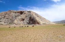 西藏阿里地区一直被当作极其遥远荒野之地,自然环境的恶劣阻止了我们了解它的步伐,很多人可能都不知道阿里