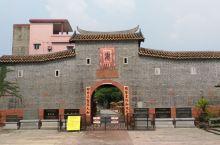 东莞南社明清古建,以前被砸烂的祠堂被富裕起来的村民修整的挺不错,只是游人稀少。
