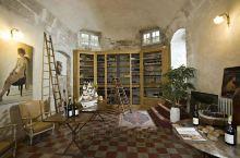 美丽的阿维尼翁城堡,虽然买不起,但是住住还是可以的