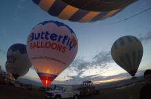 土耳其的卡帕多西亚,最必玩的项目就是热气球了,毕竟是有着如此外星地貌一样的地方,能够高空俯瞰又是不一