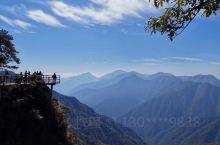 【羊獅慕】 羊獅慕景区位于江西省 吉安宜春交界处。 景区以花岗岩峰林地貌为主:奇峰怪石、古树名花、流