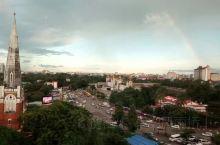 仰光虽然已经不再是首都 却依然是缅甸最大城市和经济文化中心 即便是该国经济最发达的城市 民风依然纯朴