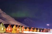 #极光# 在阿拉斯加之巅,披挂北极光,看这世界尽头,地老天荒