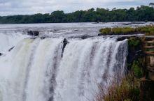 打卡老照片之阿根廷伊瓜苏瀑布 其与众不同之处在于观赏点多。从不同地点、不同方向、不同高度,看到的景象