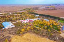在古尔班通古特沙漠中打造一片绿洲的韩建军、姜海燕夫妇,纯兵二代,石河子市土生土长的兵团棉农。 199