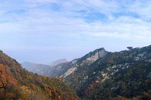 深秋的西安已经开启雾霾时代,用一天休假去西安周边赏枫吸氧是很有必要的。少华山不错的选择,携程上有一日