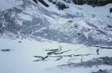 洛克线徒步第四天新果牛场雪景空中拍摄… 欢迎五湖四海的朋友来我家乡木里县景区徒步洛克线…… 木里王国