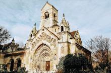 沃伊达奇城堡旅行攻略 |  建于1896年,这座城堡是匈牙利最宏伟的历史建筑物。包含罗马式、哥德式、
