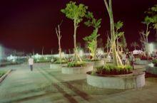 罗定市二桥滨江公园大道,景点优美; 罗定·云浮