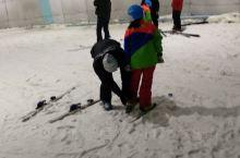 马鞍山乔波滑雪馆是启迪乔波是安徽地区首个特大型室内冰雪运动、冰雪娱乐、冰雪旅游、冰雪文化、冰雪商业综