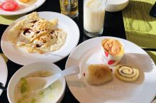 生日旅游,选择在鹤山度假,选择碧桂园天麓湖酒店,新开的酒店,包含晚餐的套餐,面包鸡不错;还送了小点心