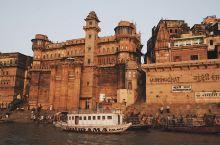 住在恒河上18世纪的宫殿里:BrijRama Palace—A Heritage Hotel。来印度