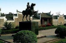 平江起义旧址位于平江县城东1.5公里处的原天岳书院,现平江县第一中学校区内。该书院坐南朝北,有大门、