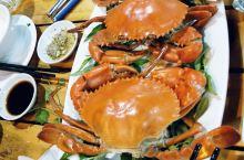 越南胡志明,到的时间是晚上,朋友接机后带一餐厅,点的菜特别可口,海鲜很新鲜,做的味道很好,对食欲的诱
