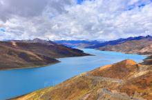 天上圣湖,人间仙境━━羊卓雍措  行驶25公里的上山路抵达岗巴拉山口,就是观看羊湖全景的最佳位置,海
