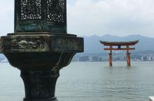 世界文化遗产之一,广岛宫岛。上面的旅游景点很多,一整天也只能走马观花粗略看看。既有人文景观,也有自然