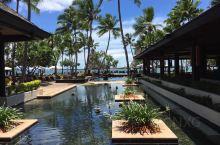 Sheraton Fiji Resort度假村享有海滨位置,距离丹娜努港码头(Port Denara
