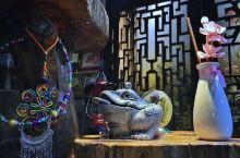 紧邻张家界武陵景区,这家名叫蝶恋花红豆苑的民宿,古典与小清新并存,似乎带着现代化的物件穿越到了古代