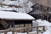 日本秋田鹤之汤温泉冬景  乳头温泉乡最知名的秘汤莫属鹤之汤温泉了!鹤之汤温泉是该区最古老的温泉,拥有