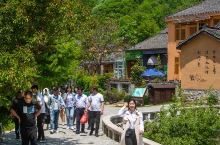 迷人的土味风情         田铺大塆是国家级传统村落,始建于民国初期,建筑多为土坯墙体、斜顶瓦房
