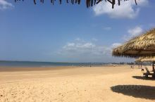 南国的海滨,总是对北方人有着无限的诱惑,去海南的路上,随意走走,居然发现一个如此美丽的海滨浴场,安静