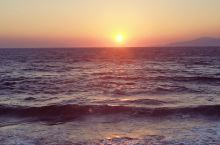 Fabrika小威尼斯拍的日落。太阳及其颜色有些特别,以至于没有关注风车和建筑上的余辉。旅行中逻辑确