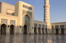 苏哈尔大清真寺  携程上没有地点。当地地标 超级美,干净,宁静。 不是周五去的。所以一个人都没有!!