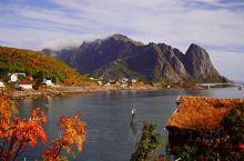 """挪威,羅弗敦群島。罗弗敦在挪威语中是""""山猫脚""""的意思,同时也暗指其领海拔地而起的一列险峻的岛屿——"""""""