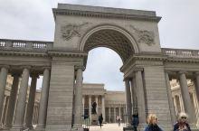 荣誉军团博物馆是旧金山最美丽的博物馆,在令人难以忘怀的环境中俯瞰着金门大桥,展示了令人印象深刻的4,