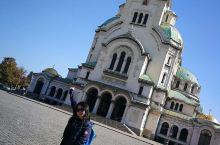 索非亚·保加利亚 #保加利亚 🌹 玫瑰国游荡荡 国家初印象,干净整洁 沿路独立咖啡馆数量之多 让我惊